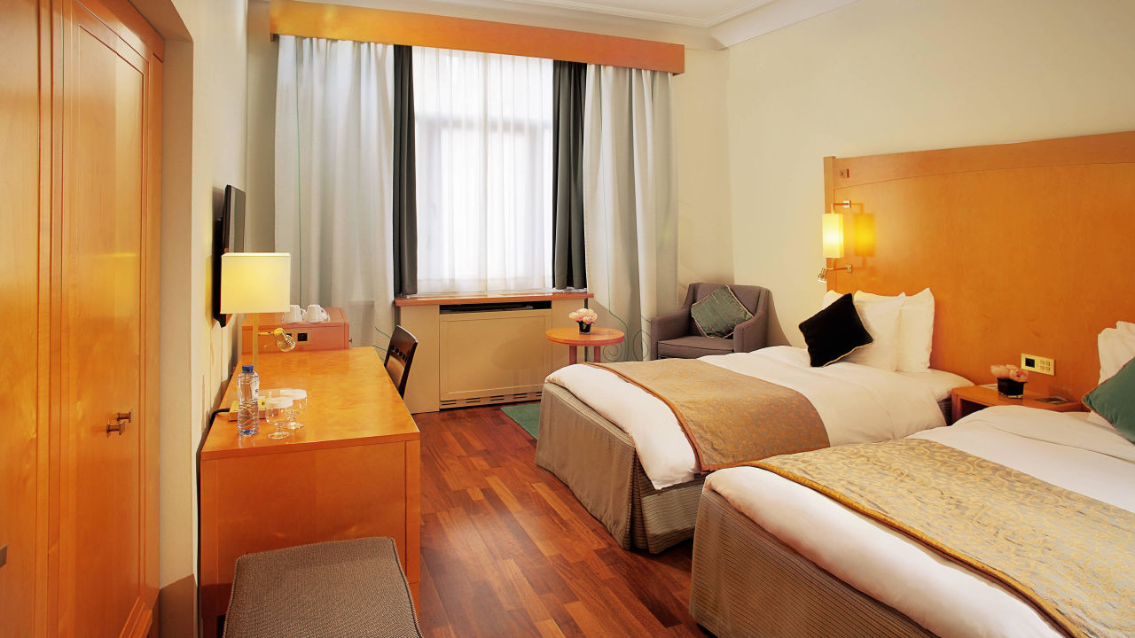 Crowne Plaza Brussels – Le Palace ab 540 €