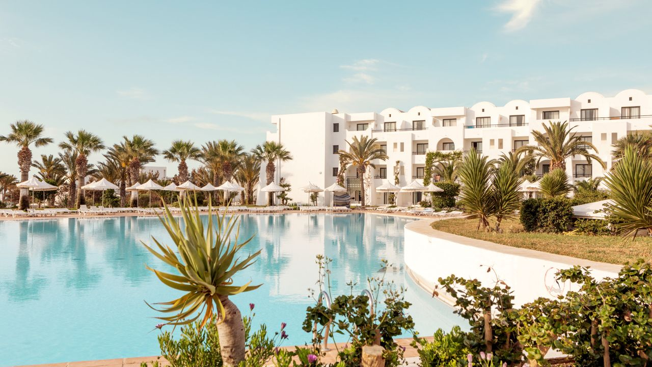 SENTIDO Palm Azur ab 389 €