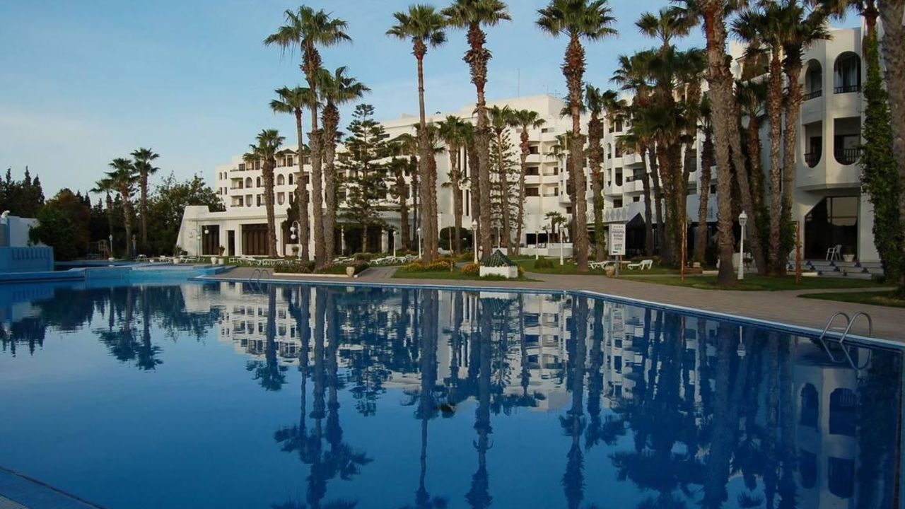 Orient Palace Resort & Spa ab 299 €